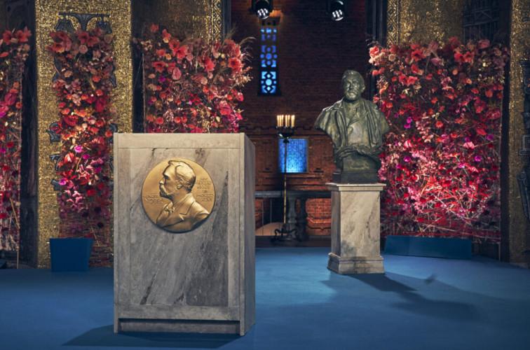 Le prix Nobel de littérature remis dans le pays du lauréat, Covid oblige