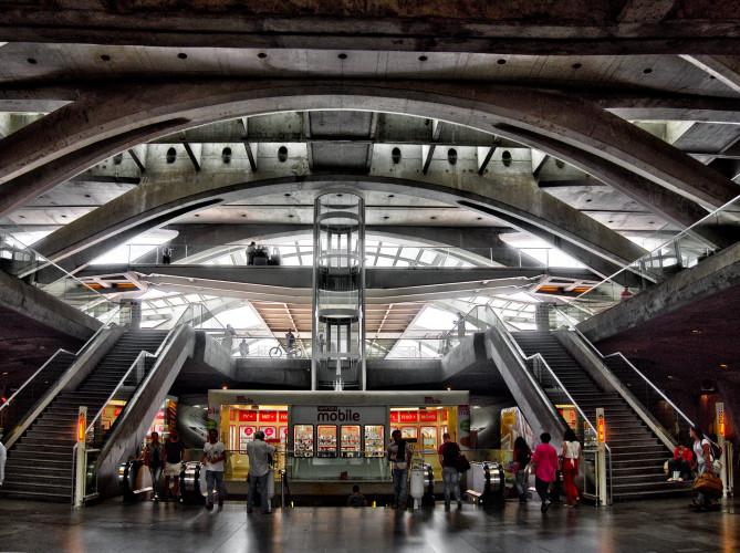 Centres commerciaux : les librairies enfin autorisées à ouvrir