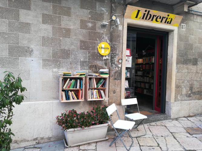 N'espérez pas que se développent des lecteurs, quand ferme une librairie