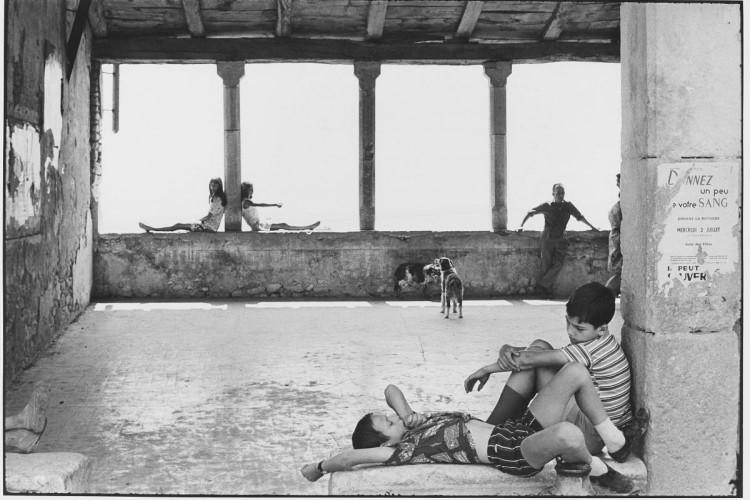 """Le Grand Jeu"" : Henri Cartier-Bresson à la BnF"