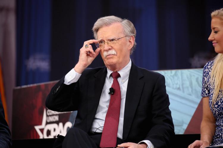 États-Unis : abandon des poursuites contre John Bolton et son livre