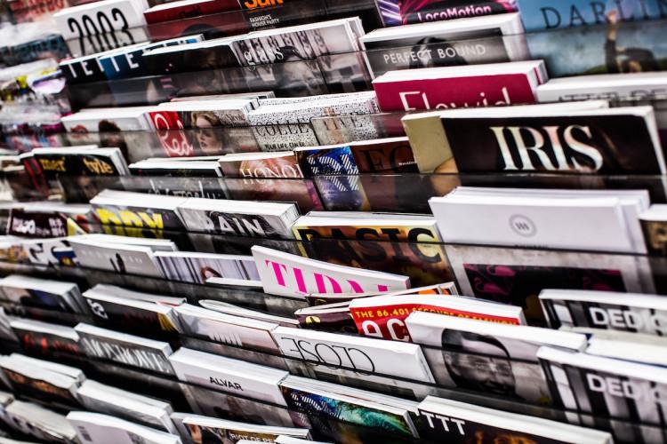 De la presse aux livres : entre les deux mondes, quels liens ?