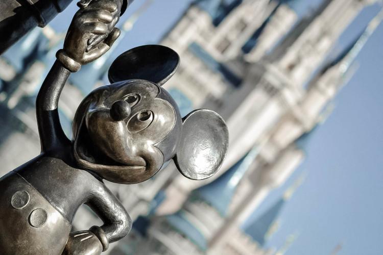 Disney investit dans l'édition, suivant une logique transmédia