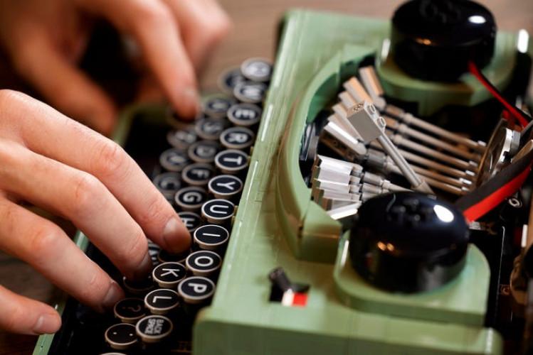 LEGO dévoile sa première machine à écrire