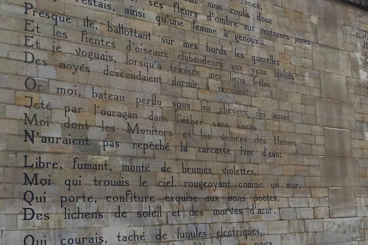 Le retour du Marché de la Poésie, présidé par Hélène Cixous