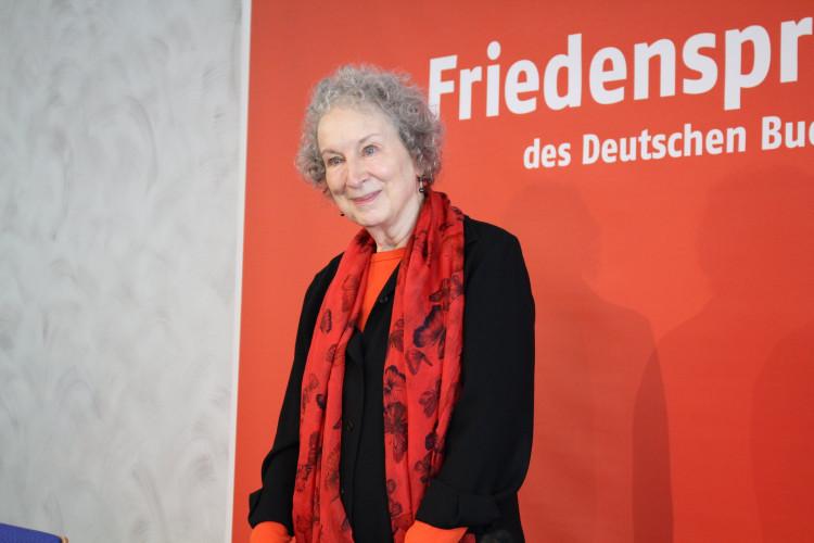 Margaret Atwood embarquée dans une polémique sur la transphobie