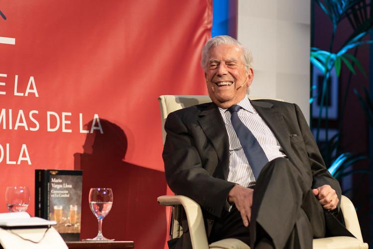 """Évasion fiscale : pour Vargas Llosa, les Pandora Papers sont """"faux"""""""