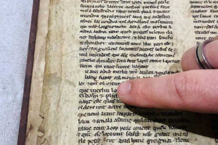 Un Merlin l'enchanteur bien plus chaste découvert dans un manuscrit