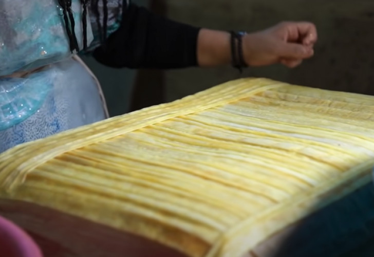 Dans les coulisses de la fabrication du papyrus, un artisanat en sursis