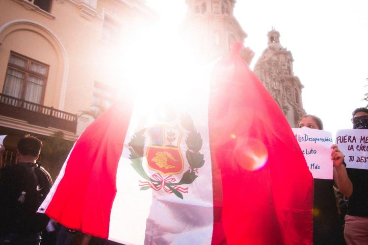Pérou : soutien deKeiko Fujimori, Vargas Llosa appelle à la prudence