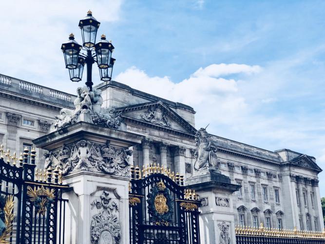 Auteurs, éditeurs et libraires honorés par la Reine d'Angleterre