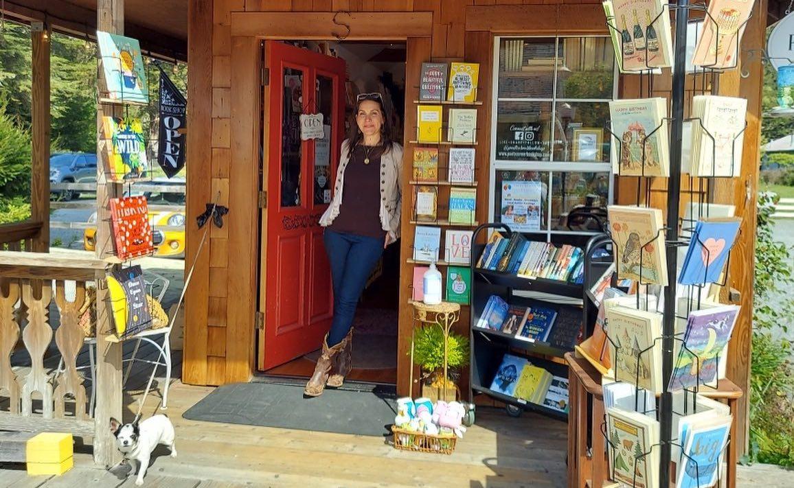 Elle dirige certainement la plus petite librairie des États-Unis, avec brio